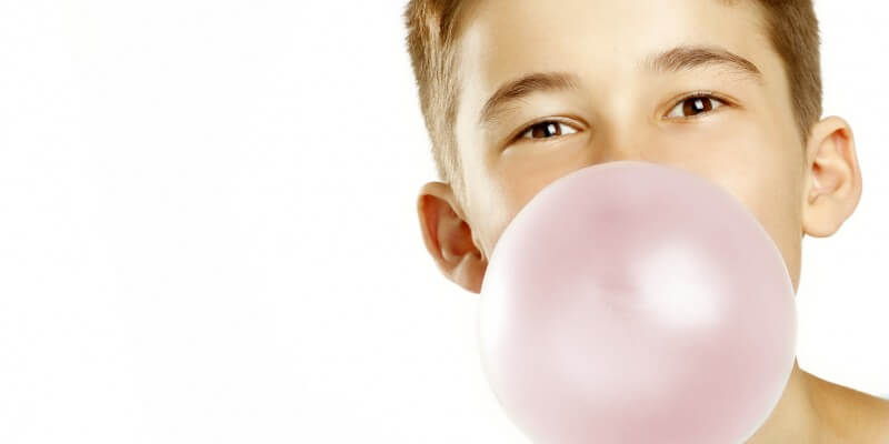 is-chewing-gum-bad-for-my-child-800x400
