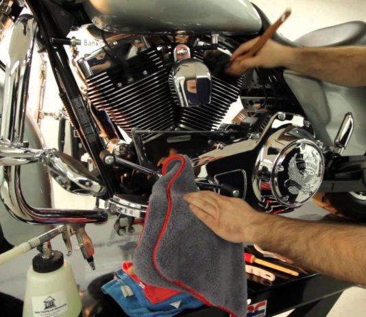 تمیز کردن موتور سیکلت