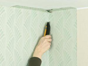 102 300x225 - آموزش جامع و قدم به قدم نصب کاغذ دیواری