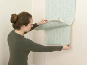 14 300x225 - آموزش جامع و قدم به قدم نصب کاغذ دیواری