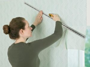 52 300x225 - آموزش جامع و قدم به قدم نصب کاغذ دیواری