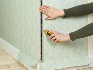 93 300x225 - آموزش جامع و قدم به قدم نصب کاغذ دیواری